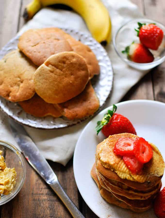 Healthy sugar free banana pikelet recipe that is easy to make and great for weekday lunchboxes or as an after gym treat
