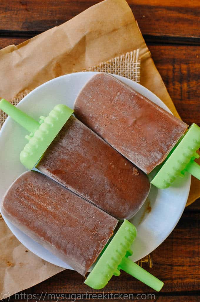 These chocolate banana popsicles are much healthier than storebought and are the perfect after dinner treat.