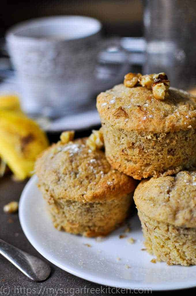 Healthy sugar free banana muffins which are freezer friendly and just 188 calories per serve.
