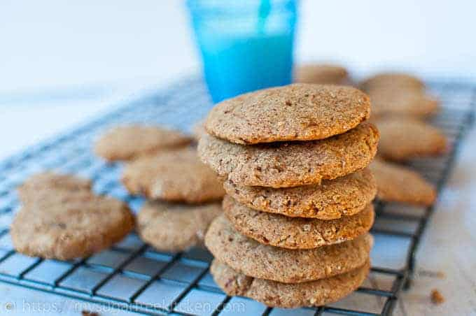 Healthy and sugar free almond flour peanut butter cookies at just 140 calories each.