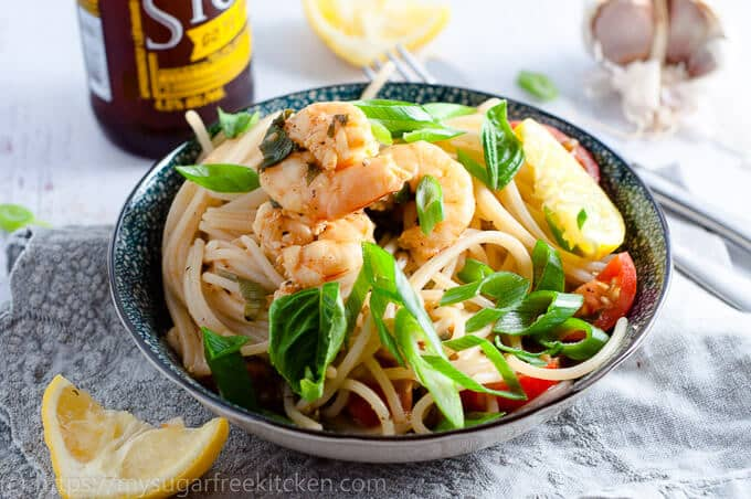 30 minute easy prawn pasta with lemon and garlic.
