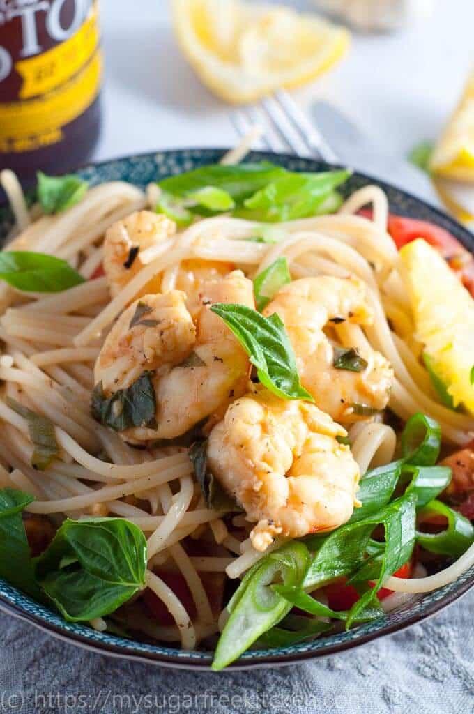 Easy make at home lemon garlic prawn pasta spaghetti