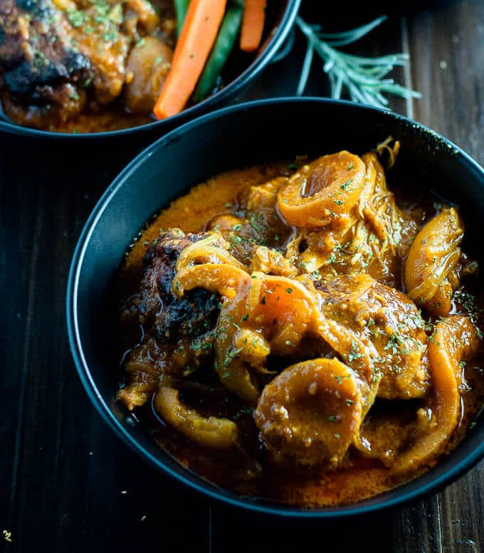 Easy dinner under 500 calories - this Apricot Chicken Curry Casserole is the ultimate healthy comfort food.